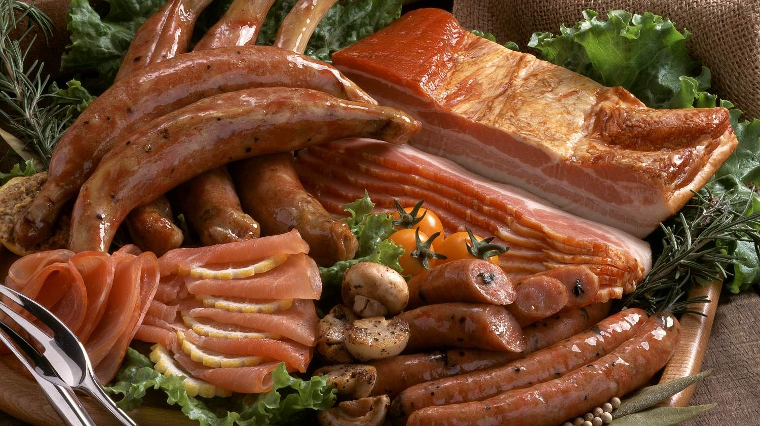 How healthy is it to eat smoked and processed meat?